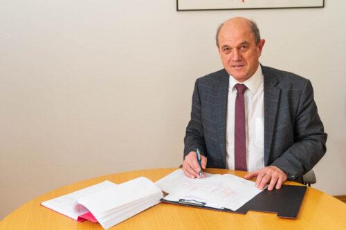 Dr. Ernst Ehinger